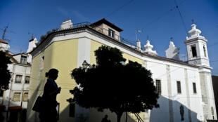 Cette surtaxe «soleil» ne devrait s'appliquer qu'aux logements neufs ou à ceux qui dépassent les 600 000 euros.