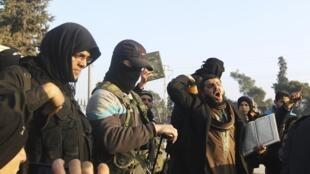 Боевики из движения «Исламское государство Ирака и Леванта» в Алеппо, 6 января 2014