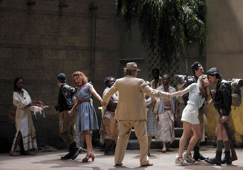 «Cosi fan tutte», l'opéra de Mozart mis en scène par le cinéaste Christophe Honoré au Festival d'Aix-en-Provence.