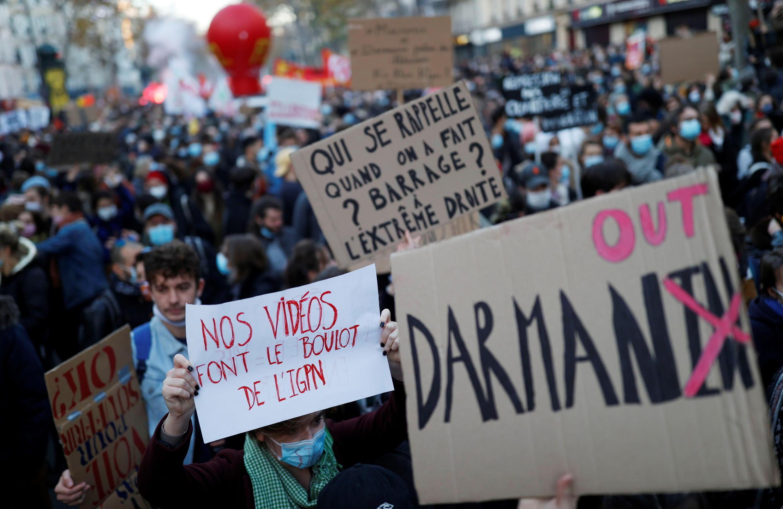 Paris Manifestations 2020-11-28T154800Z_1713806742_RC2FCK957ATM_RTRMADP_3_FRANCE-SECURITY-PROTESTS