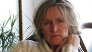 A escritora francesa Anne Bert recorreu à eutanásia e morreu na segunda-feira (2), na Bélgica.