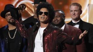 Meilleur album et meilleure chason de l'année, Bruno Mars a été multi-couronné aux 60e Grammy Awards, les Oscars de la musique américaine, qui se sont tenus à New York, le dimanche 28 janvier 2018.