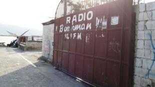 Radio Boukman, radio communautaire de Cité Soleil.
