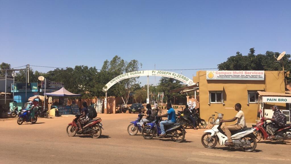 Burkina Faso: les préoccupations des jeunes étudiants à la veille de la présidentielle