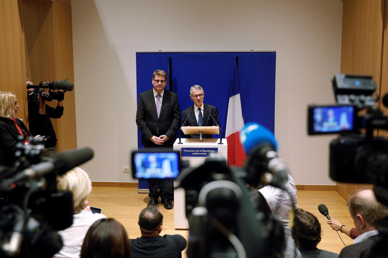 Công tố viên Jean-François Ricard (G), tại buổi họp báo ở Paris ngày 05/10/2019.