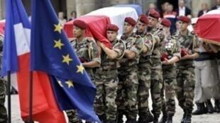 Cérémonie nationale le 21 août 2008 à Paris, en hommage aux soldats français tués en Afghanistan