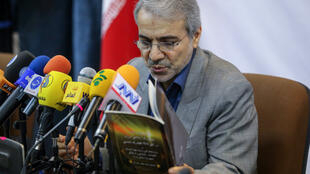 محمد باقر نوبخت: تورم مهار شده اما این به منزله کاهش قیمتها نیست.