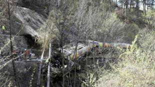 Descarrilamento de trem na Itália provoca pelo menos onze mortos.