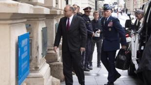 Ông Marshall Billingslea, đặc phái viên tổng thống Mỹ phụ trách đàm phán Kiểm soát Vũ khí, tới Điện Niederoestereich gặp phài đoán Nga, Vienna, Áo, ngày 22/06/2020