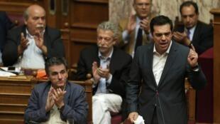 El primer ministro Tsipras en el Parlamento.