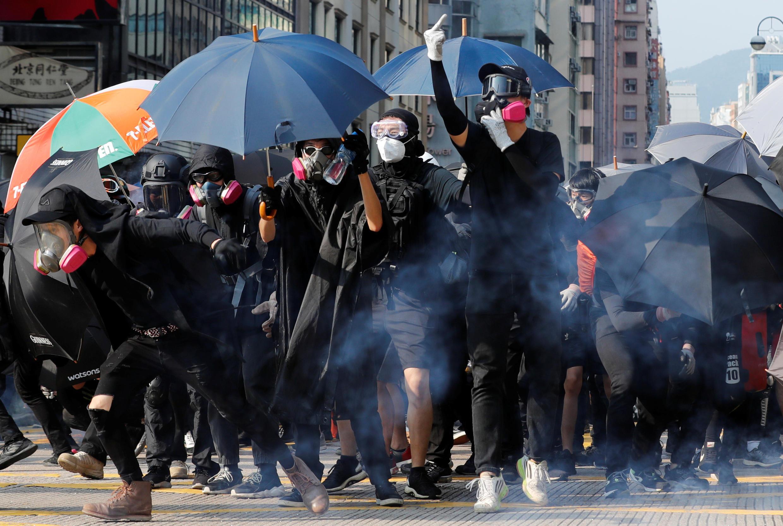 Manifestantes saíram às ruas de Hong Kong nesse domingo, 20 de outubro de 2019.