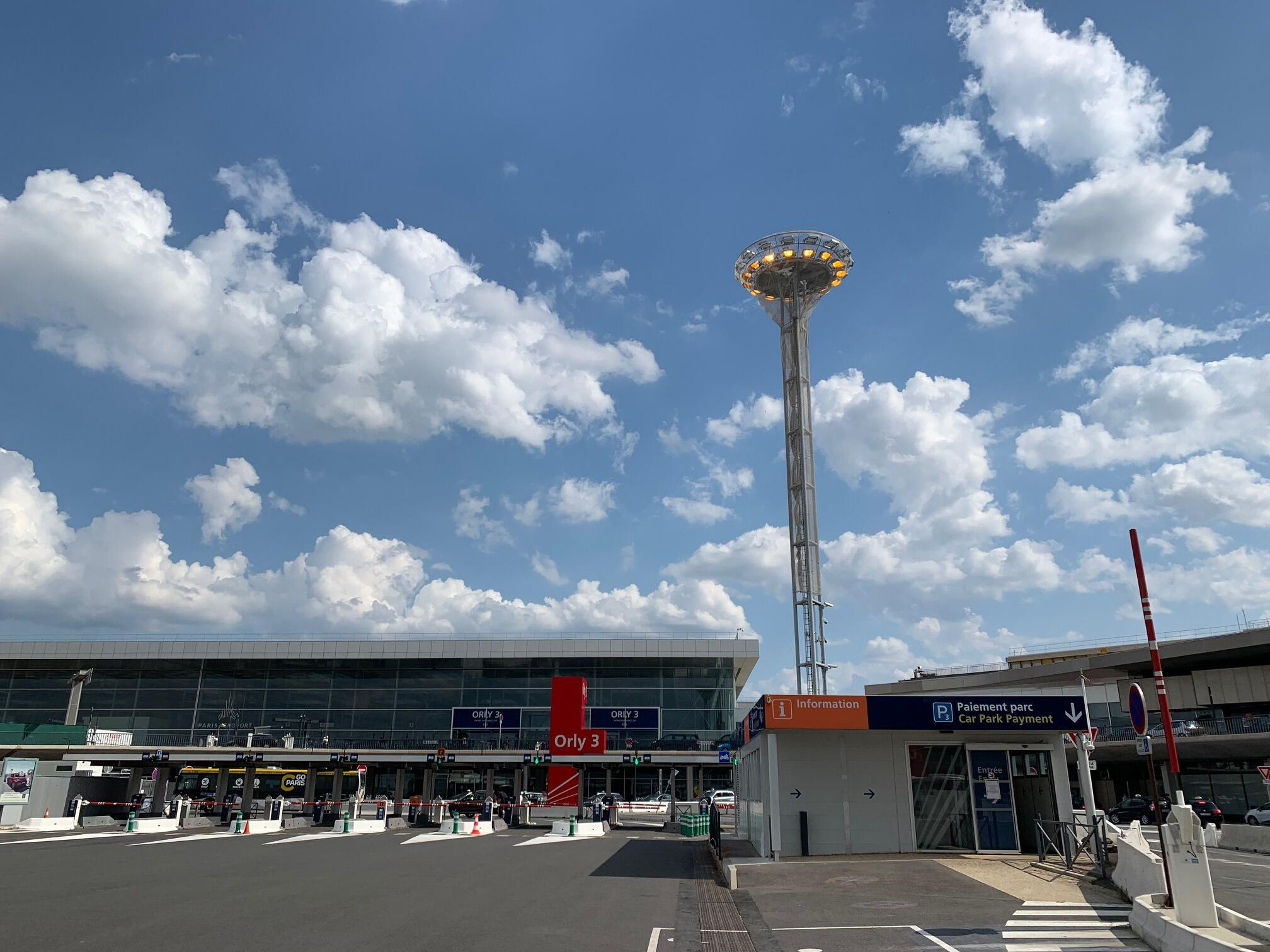 O Aeroporto de Orly e o seu Terminal 3 reabriram a 26 de Junho de 2020.