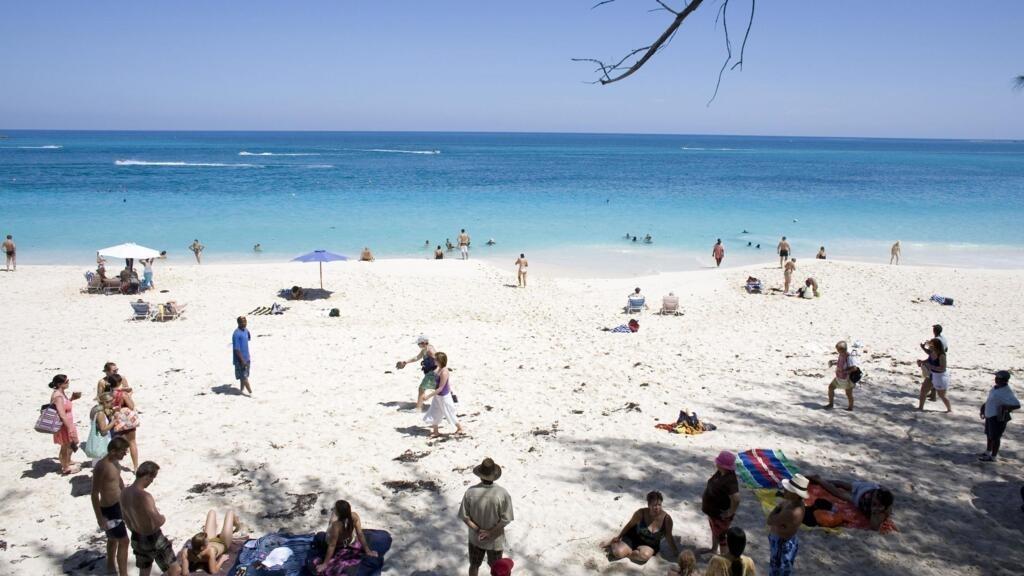 Coronavirus: de nouvelles mesures de confinement aux Bahamas après une flambée de cas