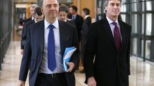 Ministro francês das Finanças, Pierre Moscovici, admitiu que a França não deve cumprir a meta de reduzir o déficit público a 3%.