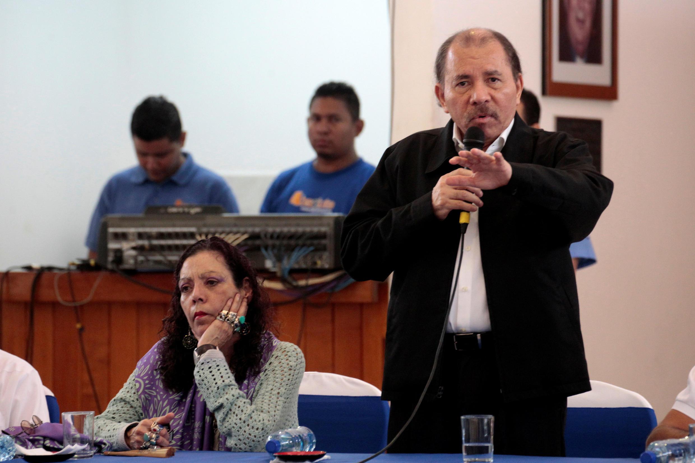 Le président du Nicaragua Daniel Ortega avec sa vice-présidente et compagne Rosario Murillo, le 16 mai 2018 à Maragua.