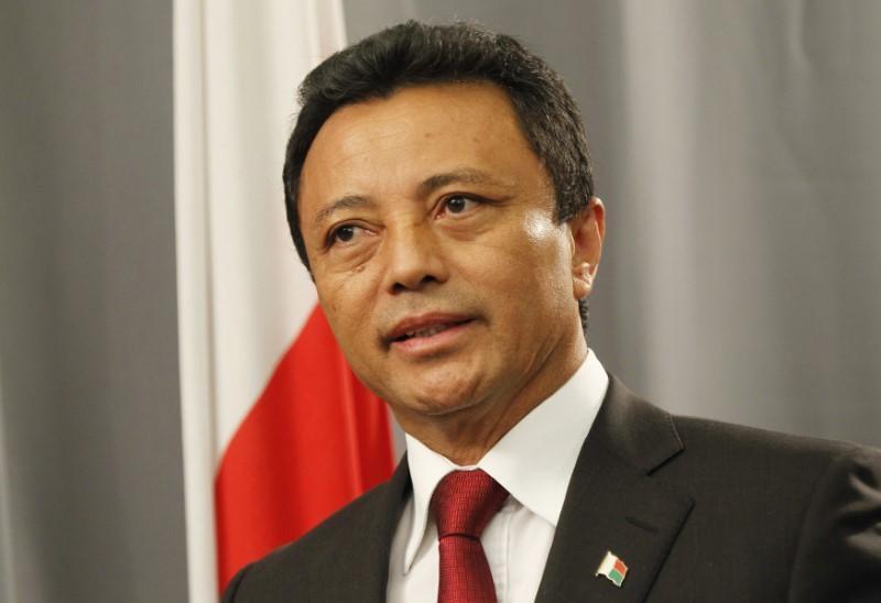 L'ex-président malgache, Marc Ravalomanana, s'exprime lors d'une conférence de presse à Johannesburg, le 17 février 2011.