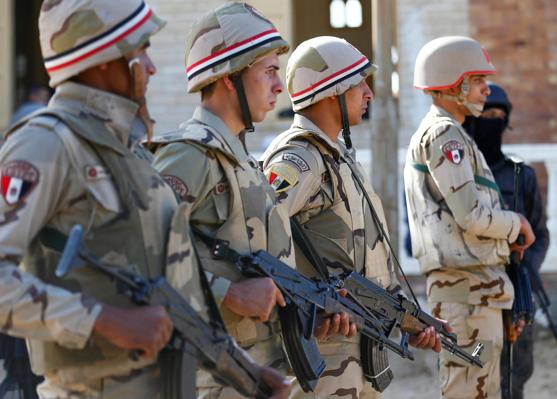 Quân đội Ai Cập triển khai tăng cường an ninh tại vùng North Sinai ngày 01/12/2017.