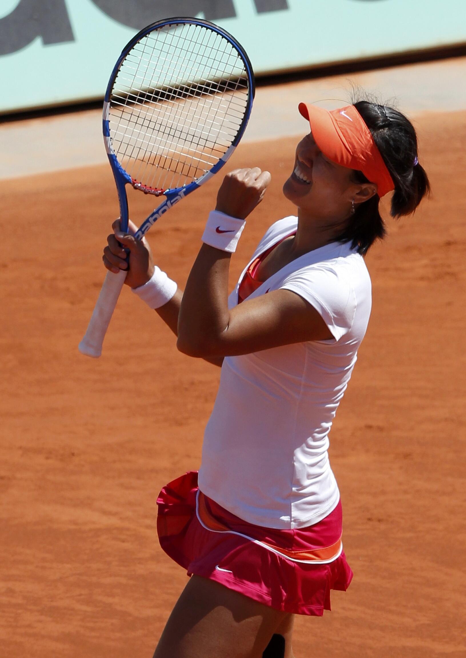 A chinesa Na Li, enfrenta a russa Maria Sharapova nesta quinta-feira(2) de junho