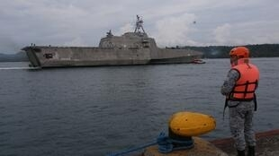 នាវាចម្បាំងអាមេរិក ឈ្មោះ USS Montgomery (LCS 8) ដែលត្រូវចូលរួមនៅក្នុងសមយុទ្ធទ័ពជើងទឹករួមគ្នាជាមួយអាស៊ាន (រូបថតឯកសារ)