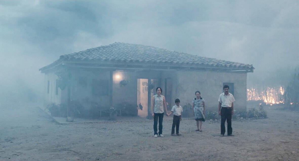 """""""La tierra y la sombra"""" de César Acevedo compite por la Cámara de Oro del Festival de cine de Cannes."""