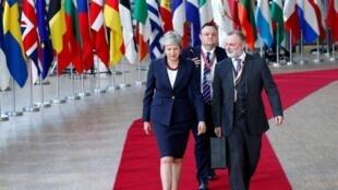 2018年欧盟秋季峰会于17和18日两天在位于布鲁塞尔的欧盟总部举行,英国首相梅抵达布鲁塞尔   2018年10月17日