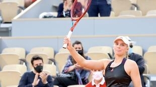 Elena Rybakina, who is appearing at the French Open for the second time, advanced to the quarter-finals after sweeping past the three-time champion Serena Williams.