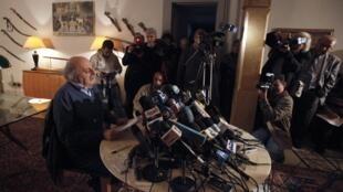 Walid Jumblatt lors d'une conférence de presse à Beyrouth, le 21 janvier 2011.