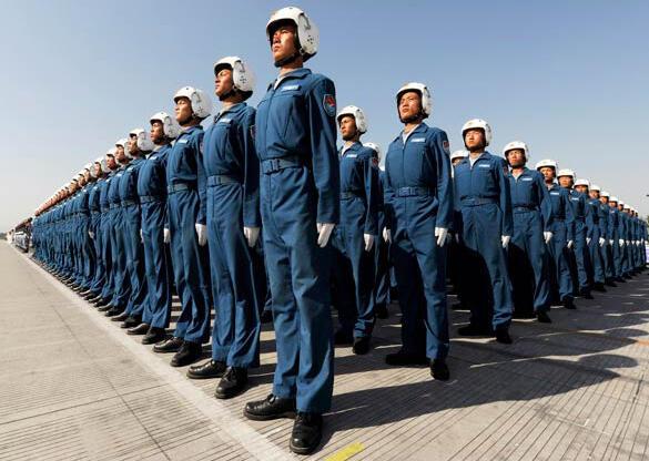Một khóa huấn luyện phi công tại Bắc Kinh (Joe Chan/Reuters)