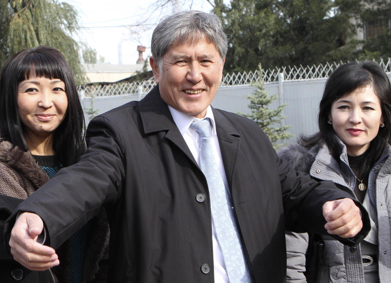 Almazbek Atambayev (C)