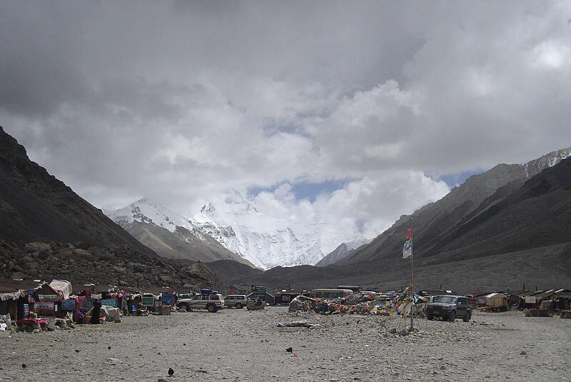 珠穆朗瑪峰峰淪世界最高垃圾場