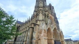 Sau ba năm trùng tu, Nhà thờ Đức Bà Reims tìm lại được nét hùng vĩ