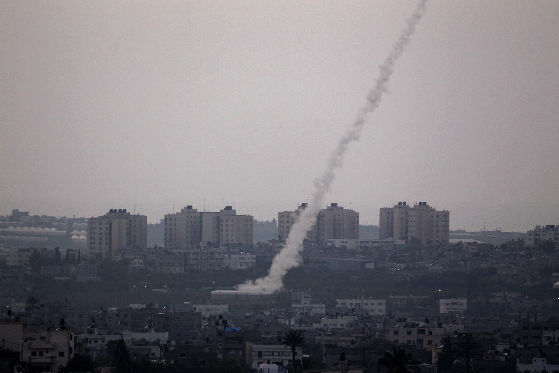След ракеты, выпущенной из северной части сектора Газа, 9 апреля 2011 (архив)