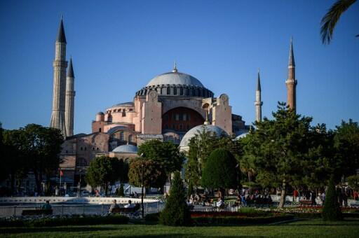 La mosquée sainte-Sophie dans le centre historique d'Istanbul, le quartier est désert  alors que c'est la haute saison. Photo prise le 9 juin 2016.