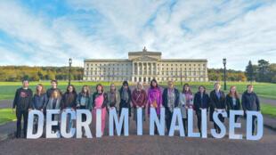 O aborto e o casamento gay entraram em vigor nesta terça-feira (22) na província britânica da Irlanda do Norte.