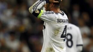 Sergio Ramos lamenta ao final do jogo entre Real Madrid e Borussia Dortmund