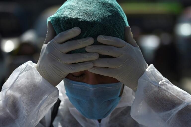 Во Франции, Италии, Испании и других европейских странах медики столкнулись с острой нехваткой хирургических масок.