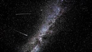Une pluie de météorites dans le ciel du mois d'août.