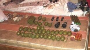 Боеприпасы, обнаруженные в результате штурма квартиры в Киеве
