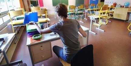 Préparation de la rentrée scolaire 2006, en France (Hérouville-saint-Clair).