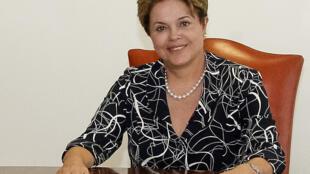 A presidente Dilma Rousseff viaja nesta segunda-feira (1) para o Peru, onde vai participar da 3° reunião de cúpula dos países da Unasul e da Liga Árabe.