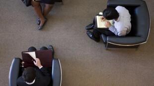 Etudiants préparant des entretiens d'embauche à Los Angeles, le 14 avril 2012.