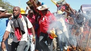 A demonstration in Port-au-Prince calls for President Michel Martelly to resign and eletions to be held