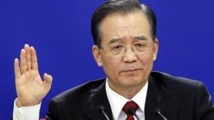 Thủ tướng Ôn Gia Bảo trong cuộc họp báo, ngày 14/03/2010, tại Bắc Kinh
