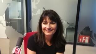 La romancière française Valérie Perrin en studio à RFI (27 juin 2018).