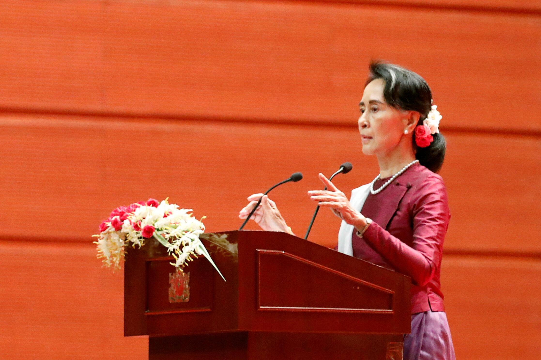 Hotuba ya kiongozi wa myanmar Aung San Suu Kyi kuhusu mgogoro unaowakabiliwa raia kutoka jamii ya Rohingya katika jimbo la Arakane, Septemba 19, 2017, Naypyidaw.