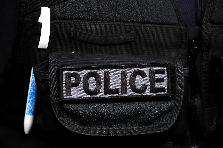 Полицейские просят для начала повысить им зарплату на 115 евро