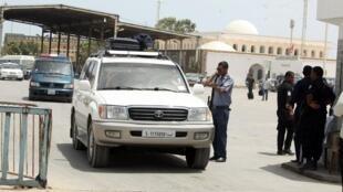 Contrôle de papiers à la frontière Tunisie - Libye en août 2014 (photo d'illustration).