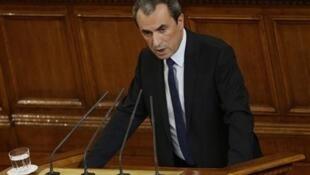 Премьер-министр Болгарии Пламен Орешарски выступает перед парламентом. София 29/05/2013 (архив)