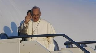El papa Francisco afirmó que 'la guerra no es de religiones sino de intereses, guerra por el dinero, por los recursos de la naturaleza y por el dominio de los pueblos. Las religiones quieren la paz'.