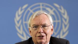 Le secrétaire général adjoint aux Affaires politiques de l'ONU, Lynn Pascoe, lors d'une conférence de presse, à Nairobi, le 2 septembre 2010.